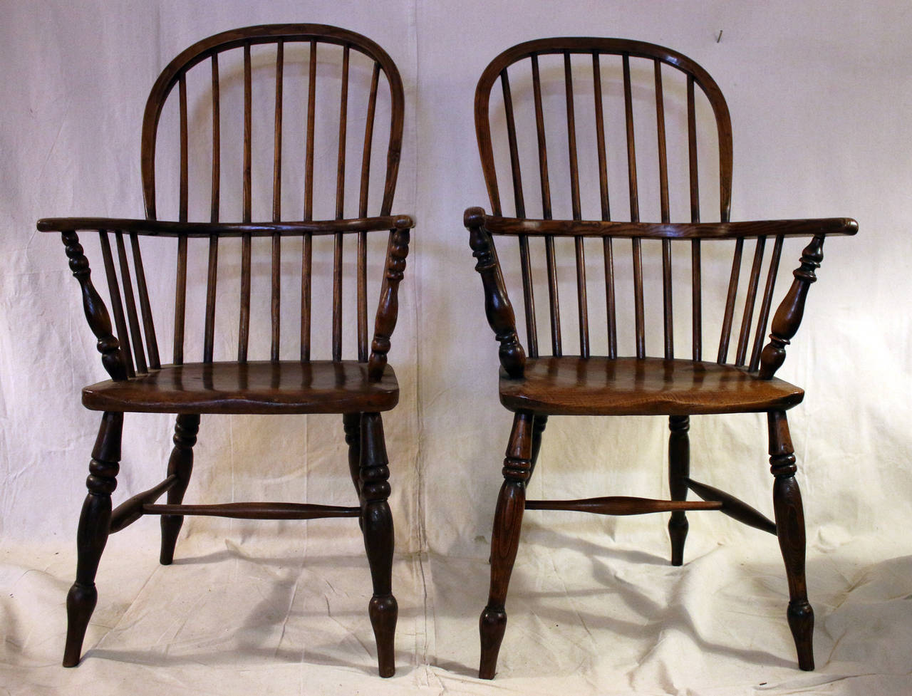18th Century Set Of Eight High Back Windsor Dining Chairs With Arms For Sale