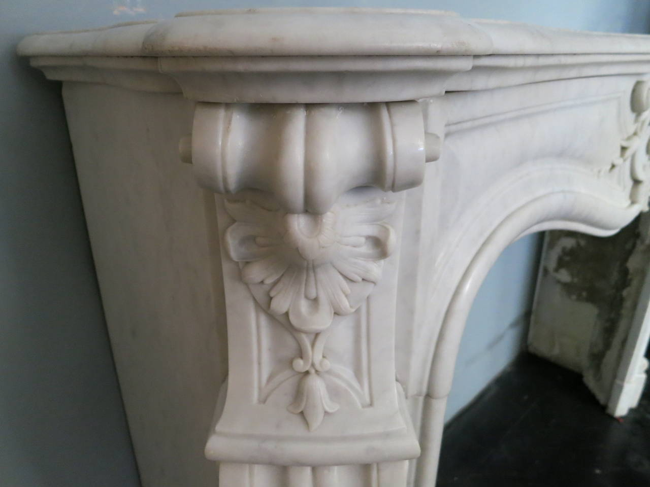 antique french louis xv marble fireplace mantel at 1stdibs