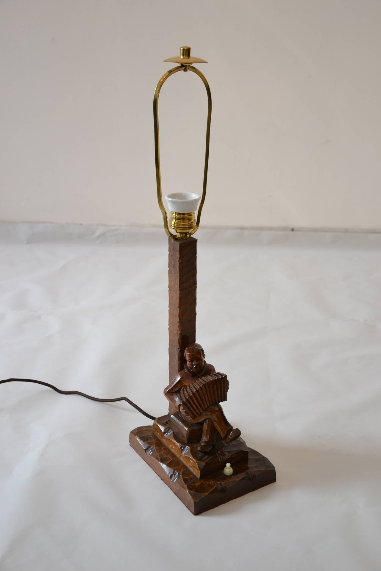 carved wooden table lamp for sale at 1stdibs. Black Bedroom Furniture Sets. Home Design Ideas