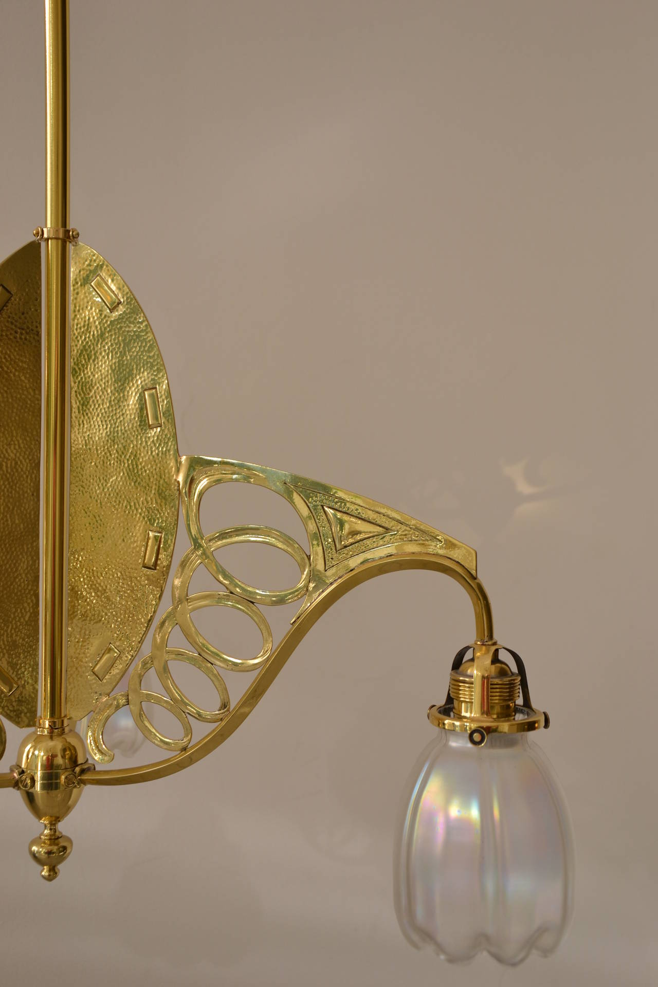 Art Nouveau Three-Light Ceiling Lamp Brass Partly Hammered In Excellent Condition For Sale In Wien, AT