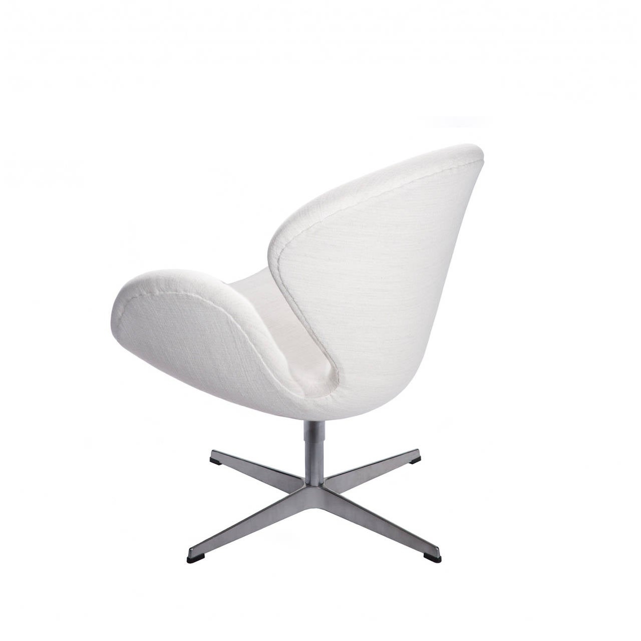 Pair of swan chairs at 1stdibs for Swan chairs for sale