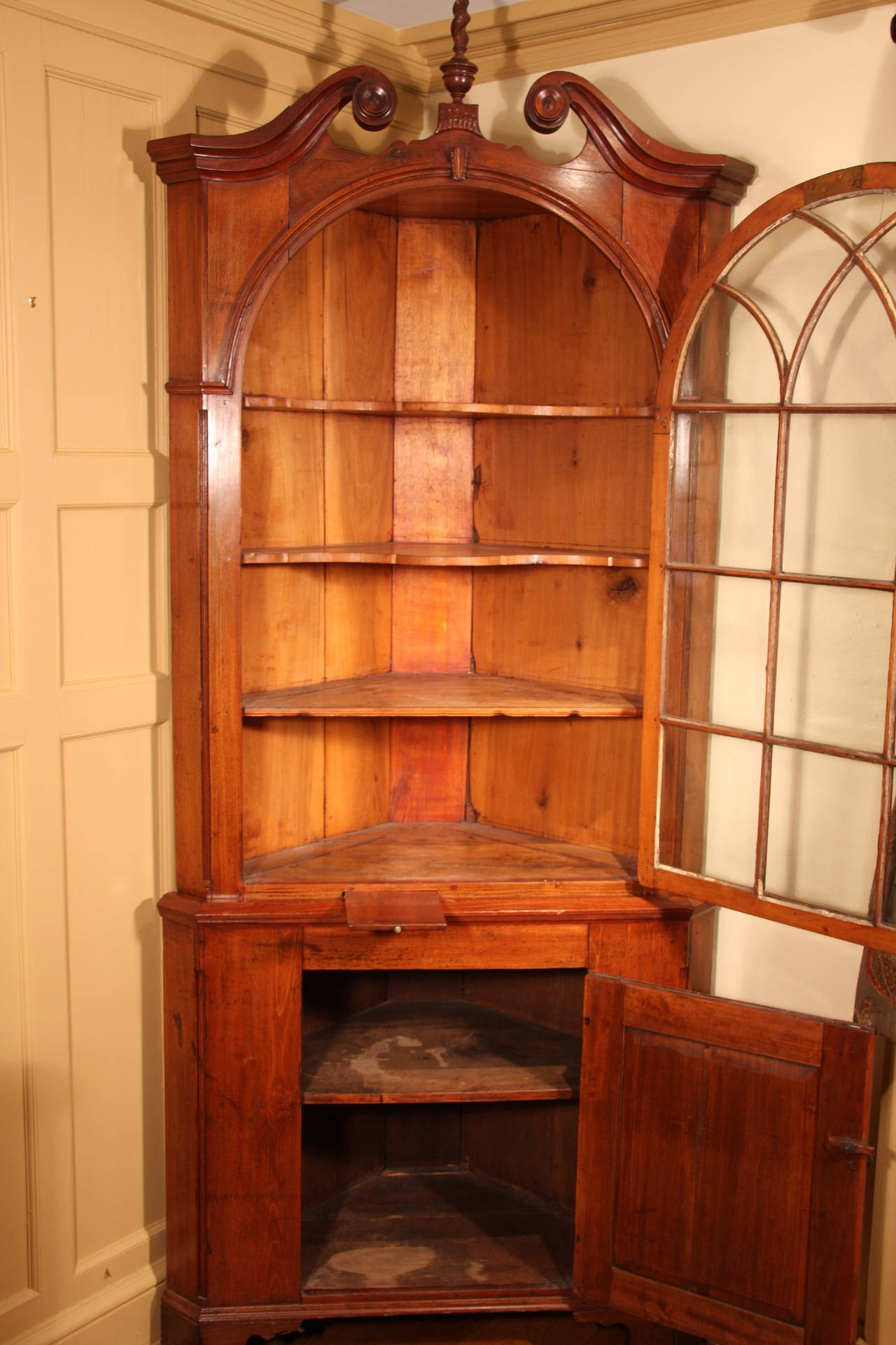 Late 18th century chippendale corner cupboard at 1stdibs for Chinese kitchen cabinets nj