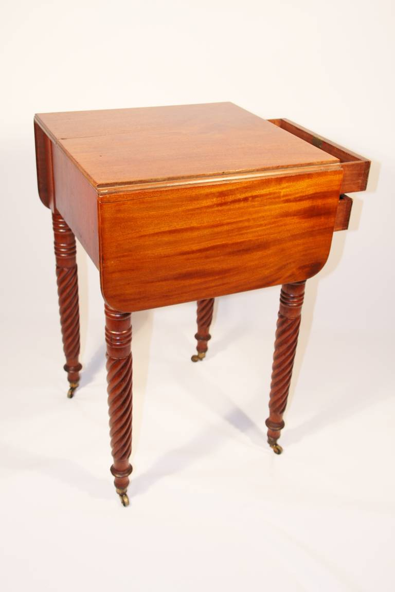 19th Century Sheraton Mahogany Work Table with Birdseye Maple Drawers For Sale 4