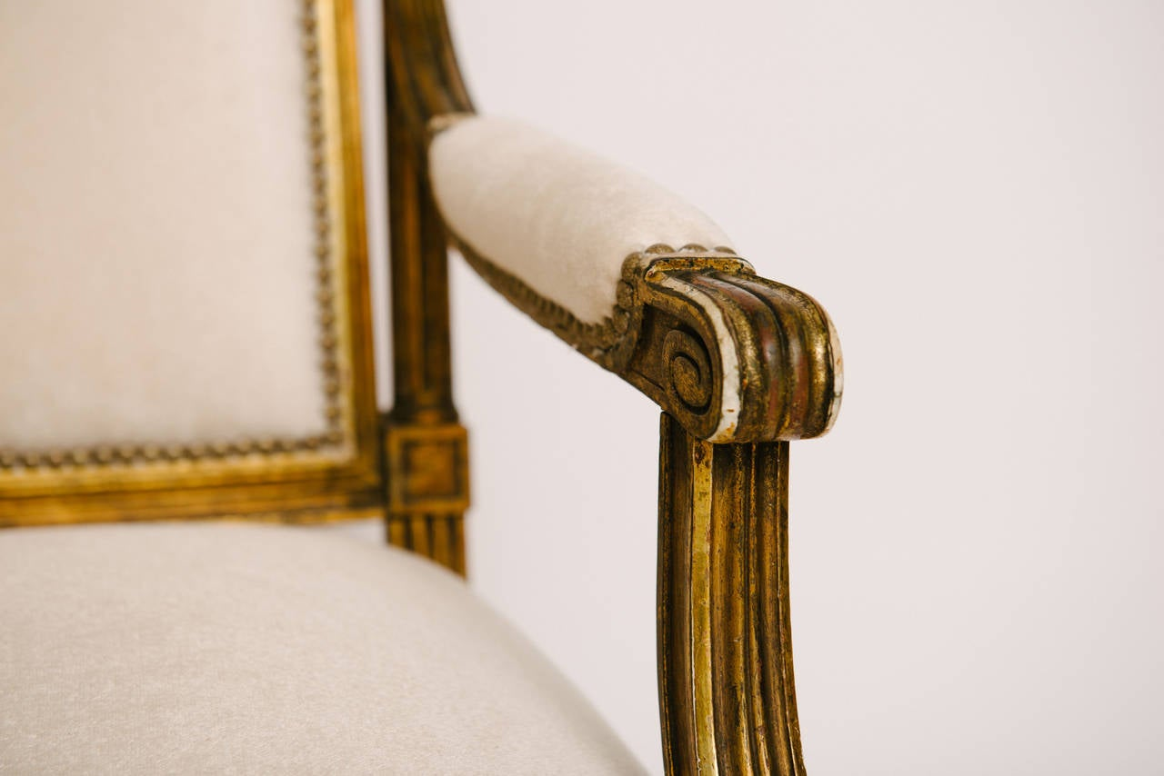 19th Century Louis XVI Style Giltwood Canapé In Excellent Condition For Sale In Houston, TX