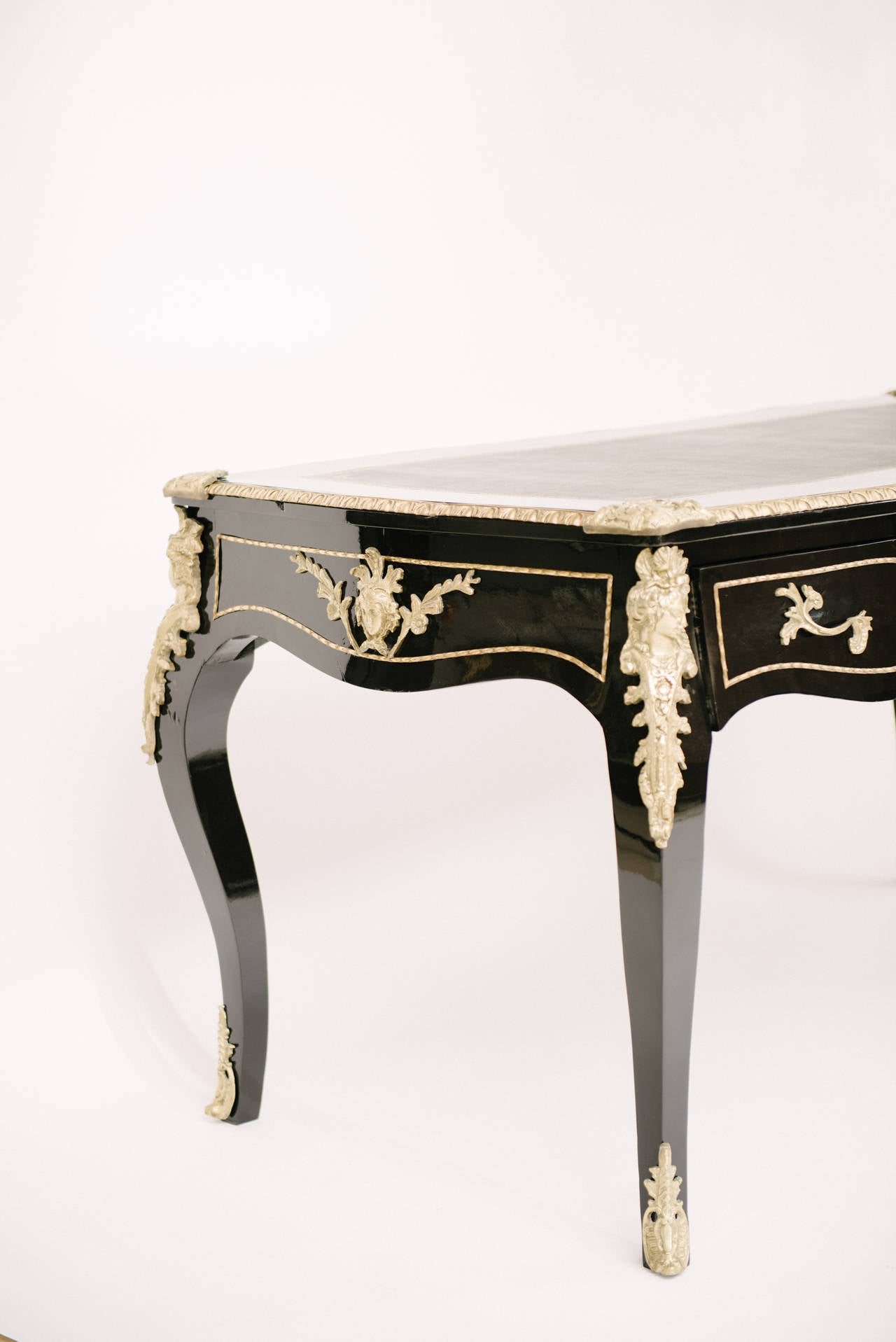 Black lacquered louis xv style bureau plat at 1stdibs for Bureau louis xv