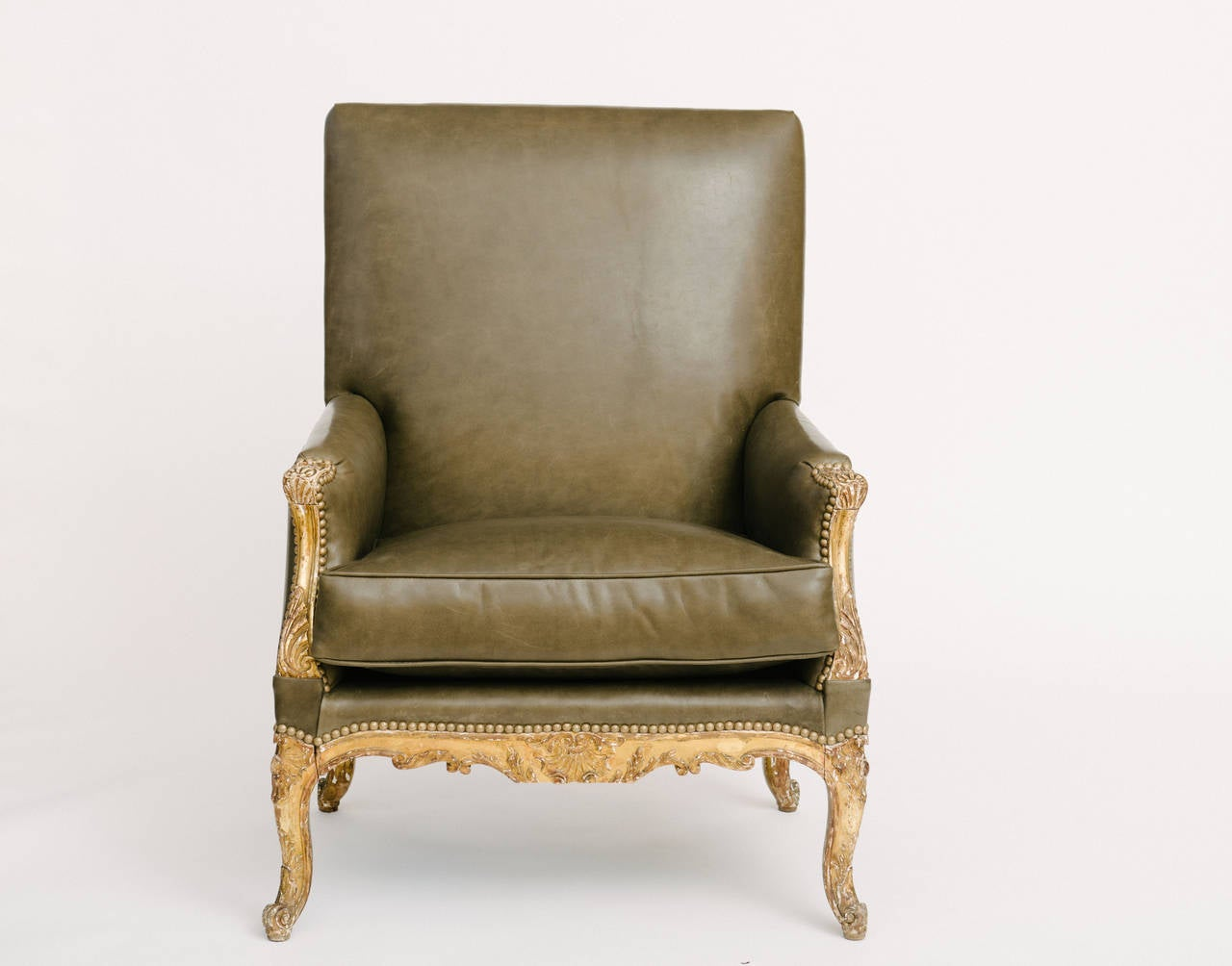 Pair of 19th Century French Louis XV Style Bergères In Excellent Condition For Sale In Houston, TX