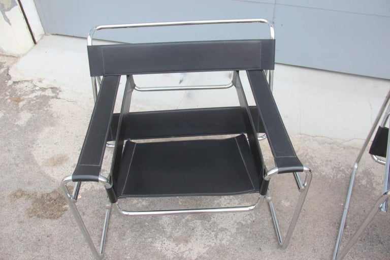 Pair of Marcel Breuer B3 Wassily chairs by Gavina, Italy black color silver, as shown in the photos, they show scratches and traces of wear.