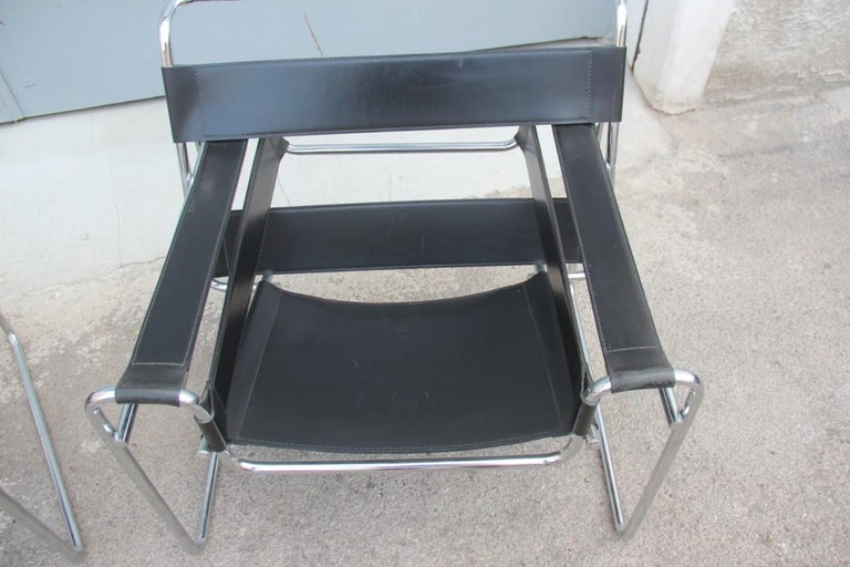 Mid-Century Modern Pair of Marcel Breuer B3 Wassily Chairs Gavina, Italy Black Color Silver, 1970 For Sale