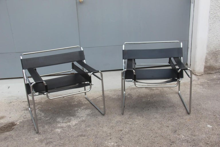 Pair of Marcel Breuer B3 Wassily Chairs Gavina, Italy Black Color Silver, 1970 In Good Condition For Sale In Palermo, Sicily