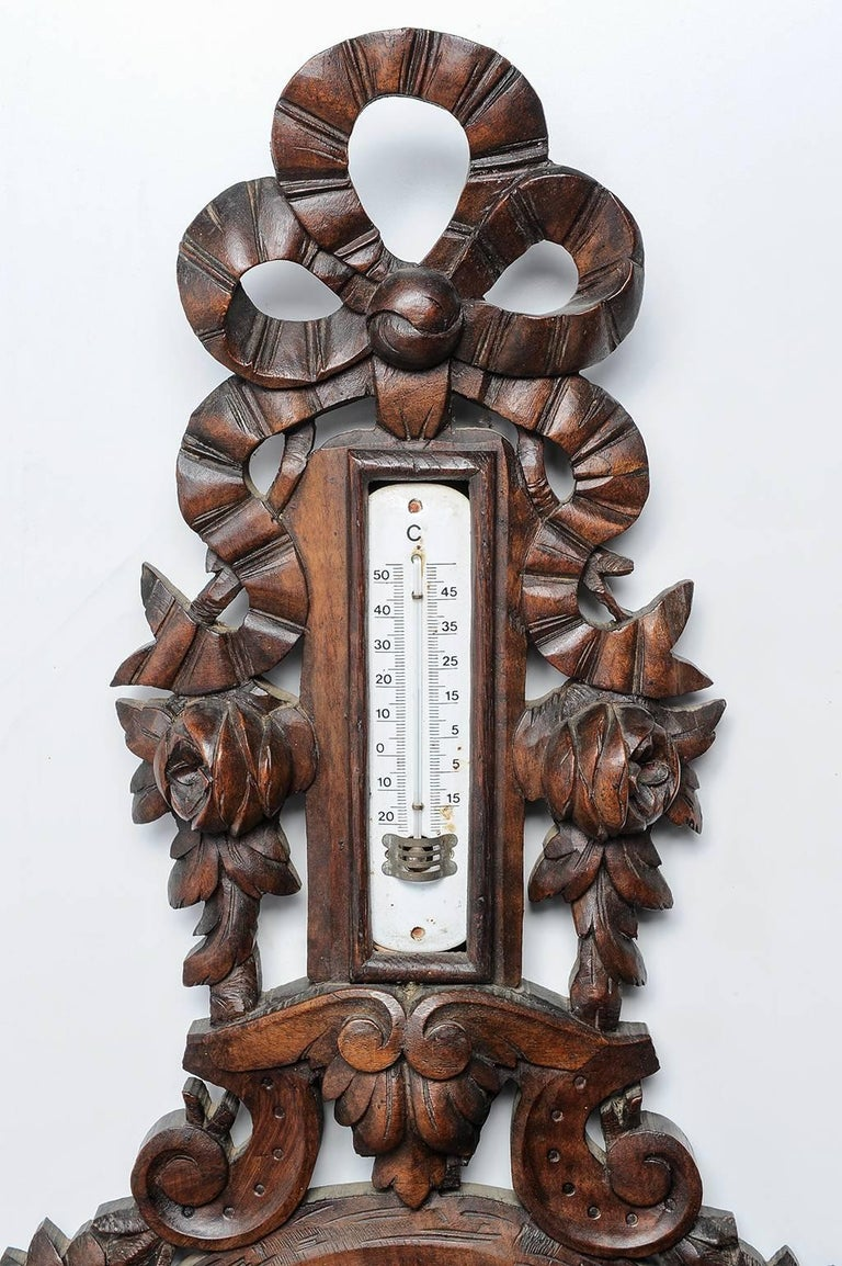 Carved Wood Antique French Barometer  In Excellent Condition For Sale In Alessandria, Piemonte