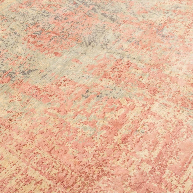 Abstract Rug in Shades of Green and Pink In Excellent Condition For Sale In MADRID, ES