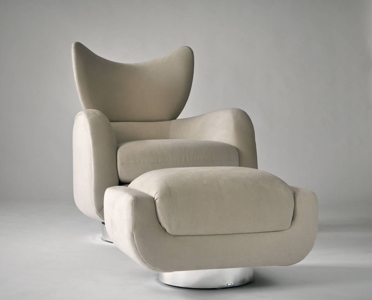 Vladimir Kagan Swivel Lounge Chair and Ottoman 9