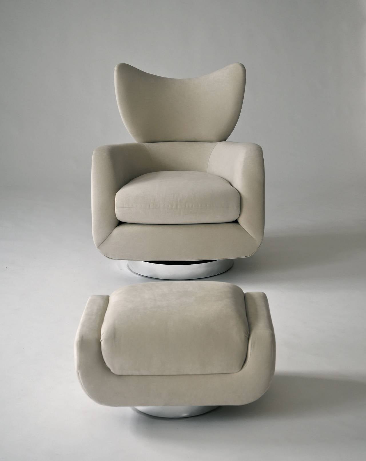 Vladimir Kagan Swivel Lounge Chair and Ottoman 5