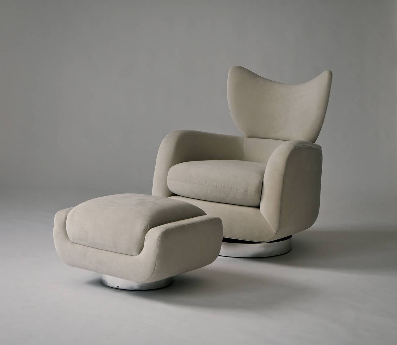 Vladimir Kagan Swivel Lounge Chair and Ottoman 10