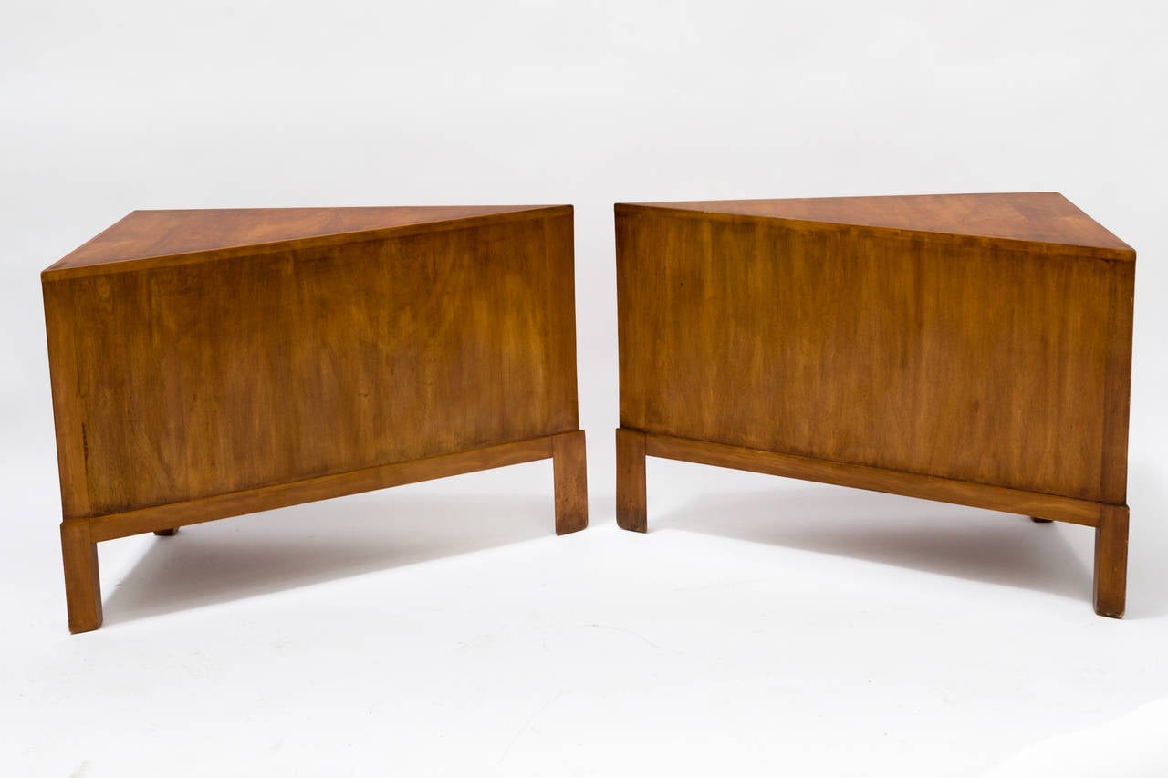 Pair Of Custom Made Wedge Shaped Side Tables In Good Condition For Sale In  Tarrytown,
