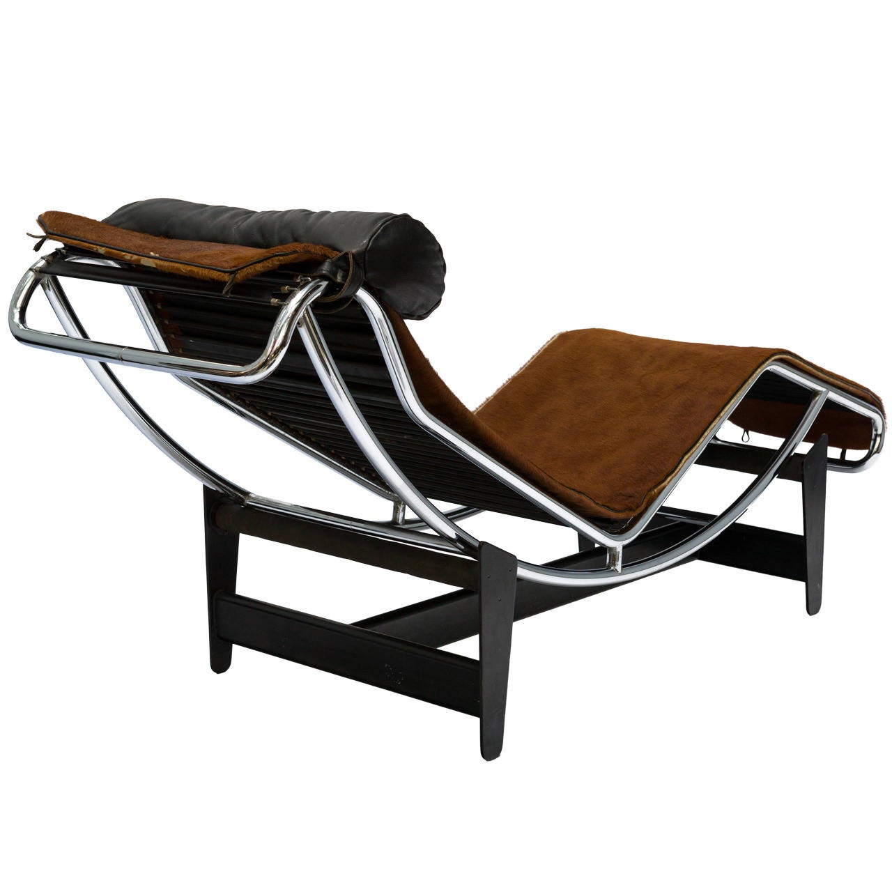 le corbusier lc4 chaise lounge chair in cowhide for sale