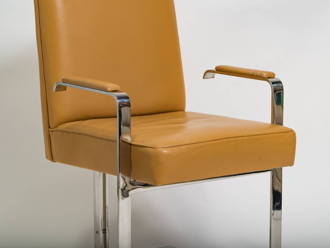 Chrome and leather chair labelled Kagan.