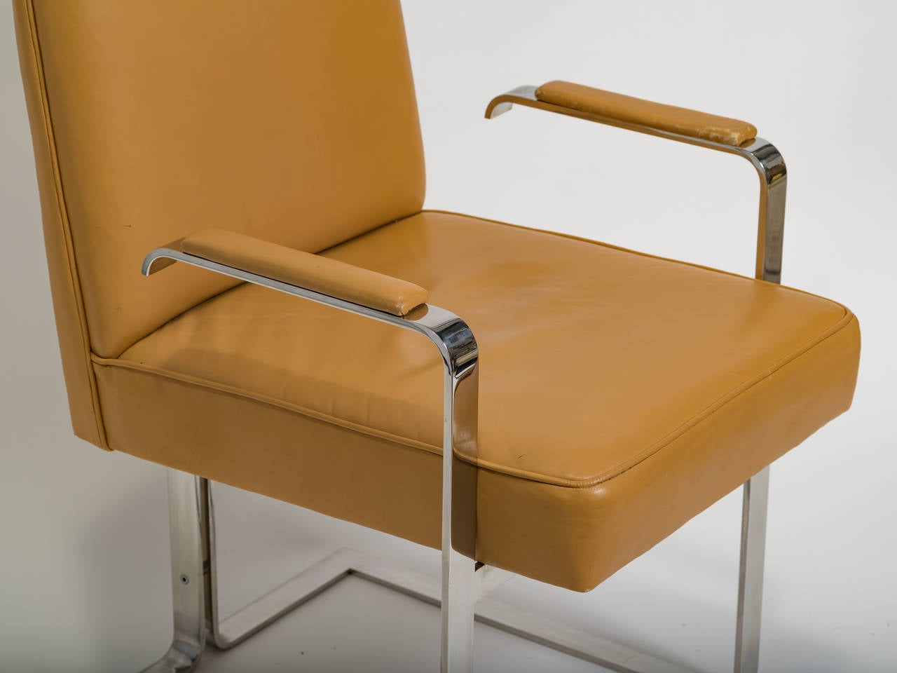 Late 20th Century Vladimir Kagan Chrome and Leather Chair For Sale