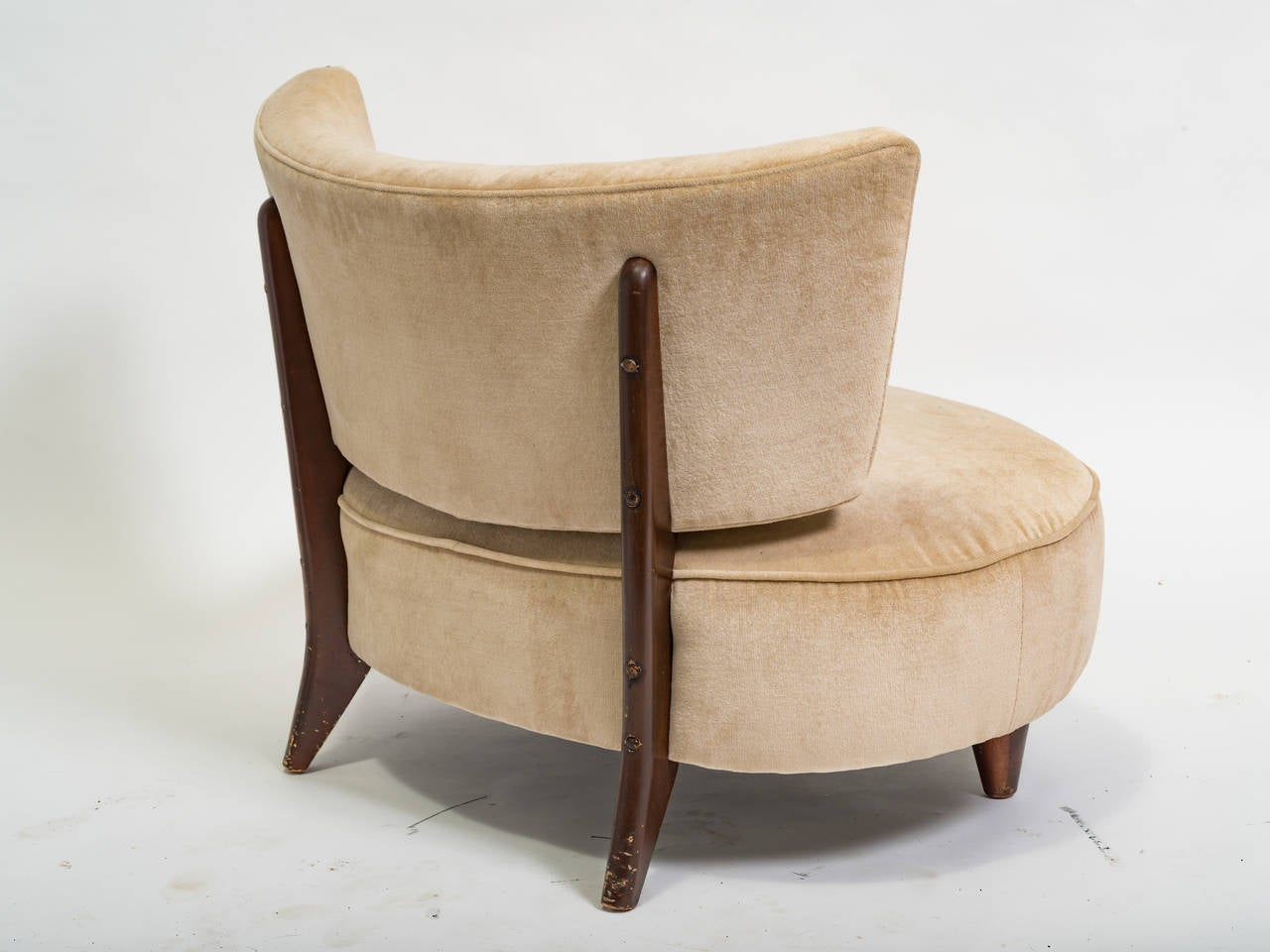 Pair of midcentury oversized chairs at 1stdibs for Oversized armchair