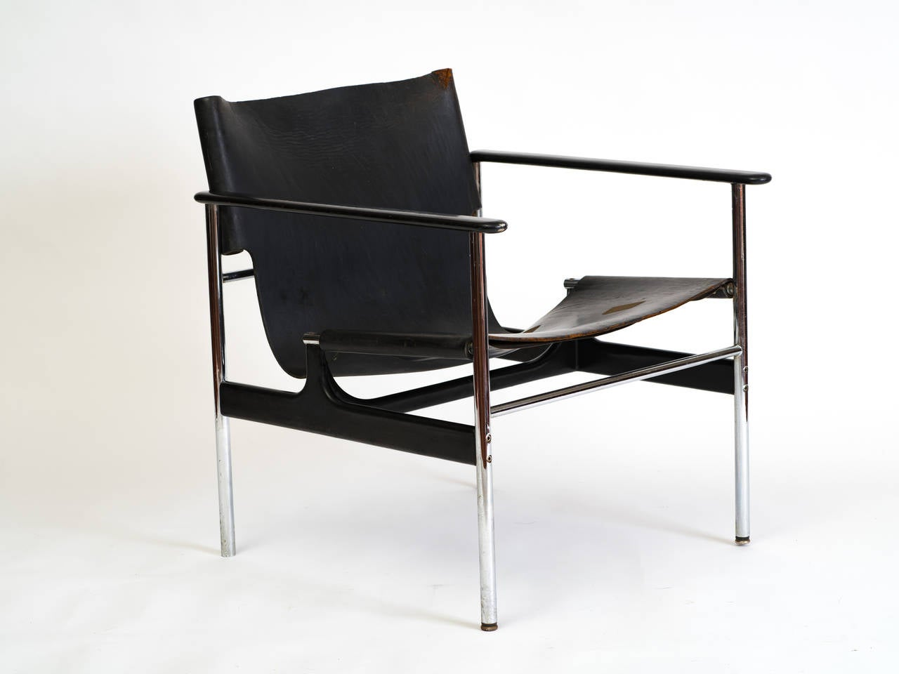 Model 657 sling chair designed by Charles Pollock for Knoll.
