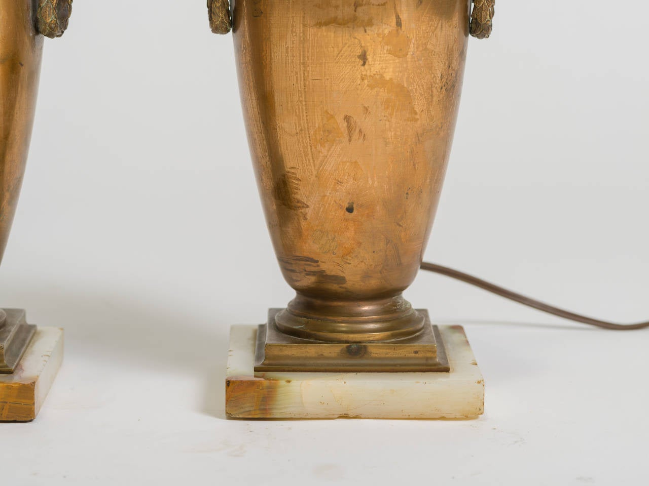 Pair of Classical Bronze Urn Lamps In Good Condition For Sale In Tarrytown, NY