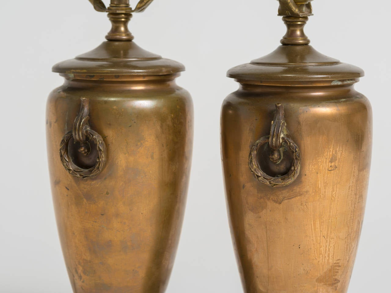 Pair of Classical Bronze Urn Lamps For Sale 2