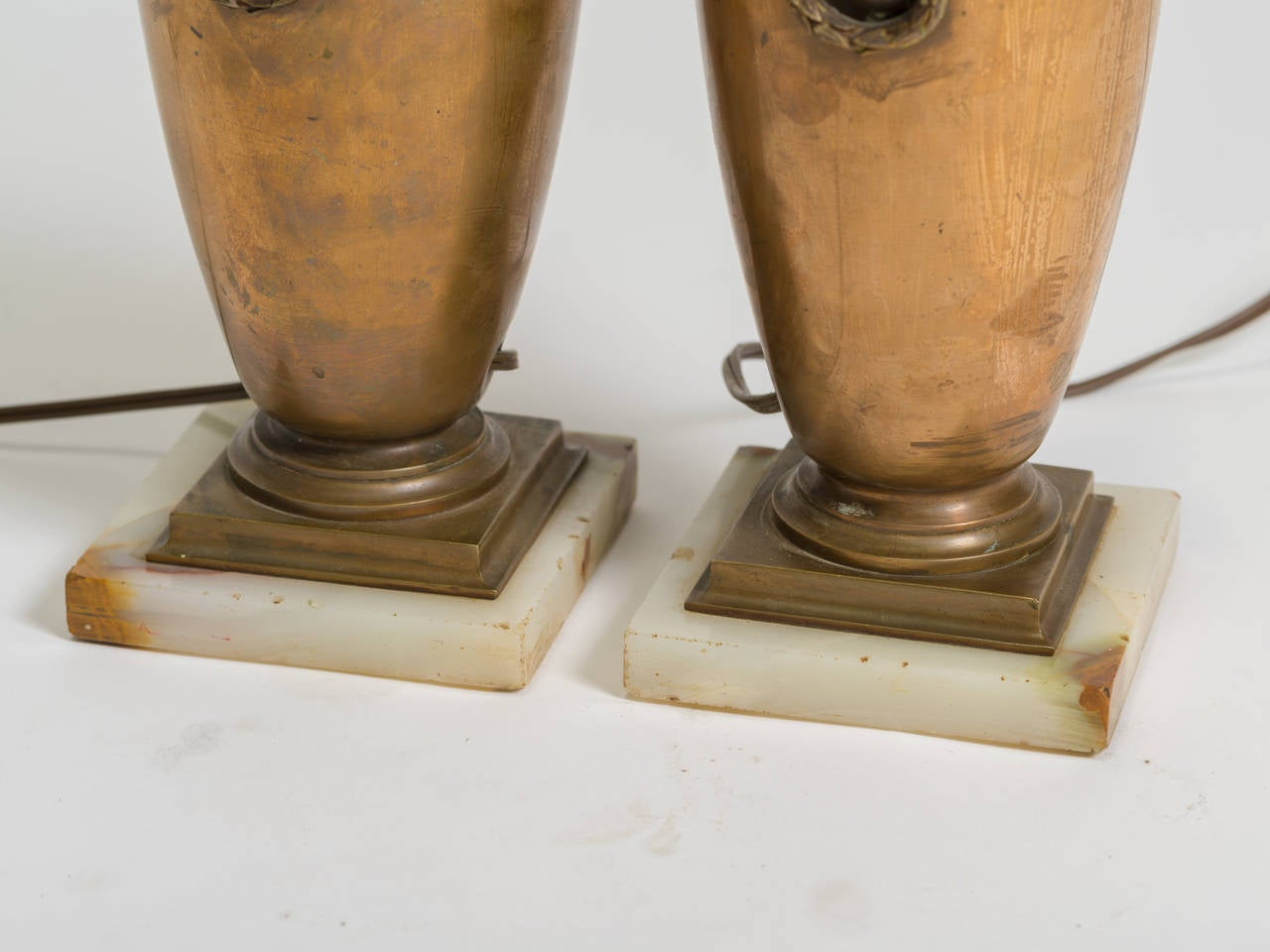 19th Century Pair of Classical Bronze Urn Lamps For Sale