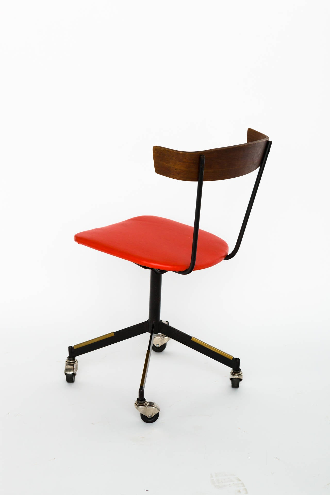 modern desk chair mid century modern desk chair by clifford pascoe at 1stdibs 30253