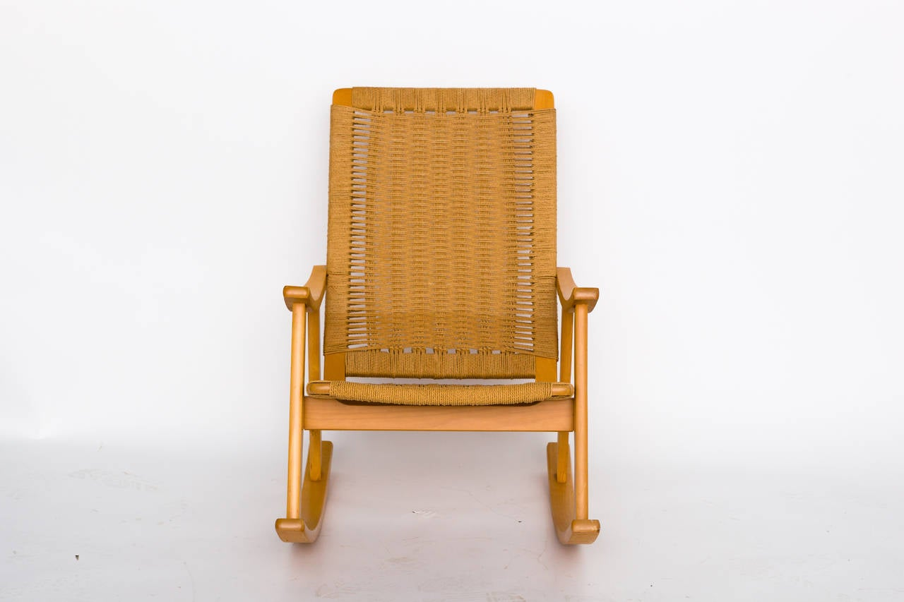 Hans Wegner Style Rope Rocker In Excellent Condition In Tarrytown, NY