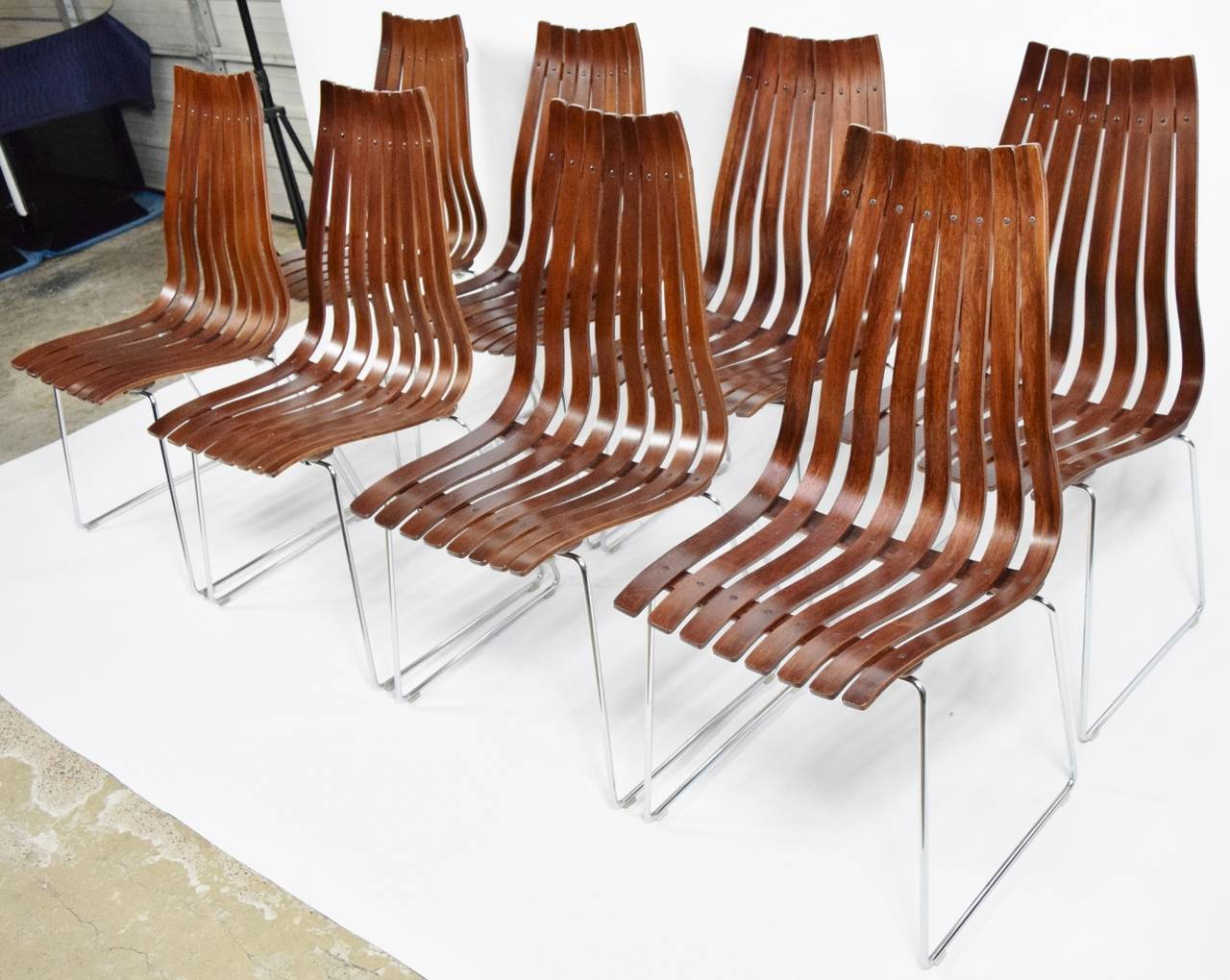 Set Of Eight Hans Brattrud Scandia Rosewood Dining Chairs At 1stdibs