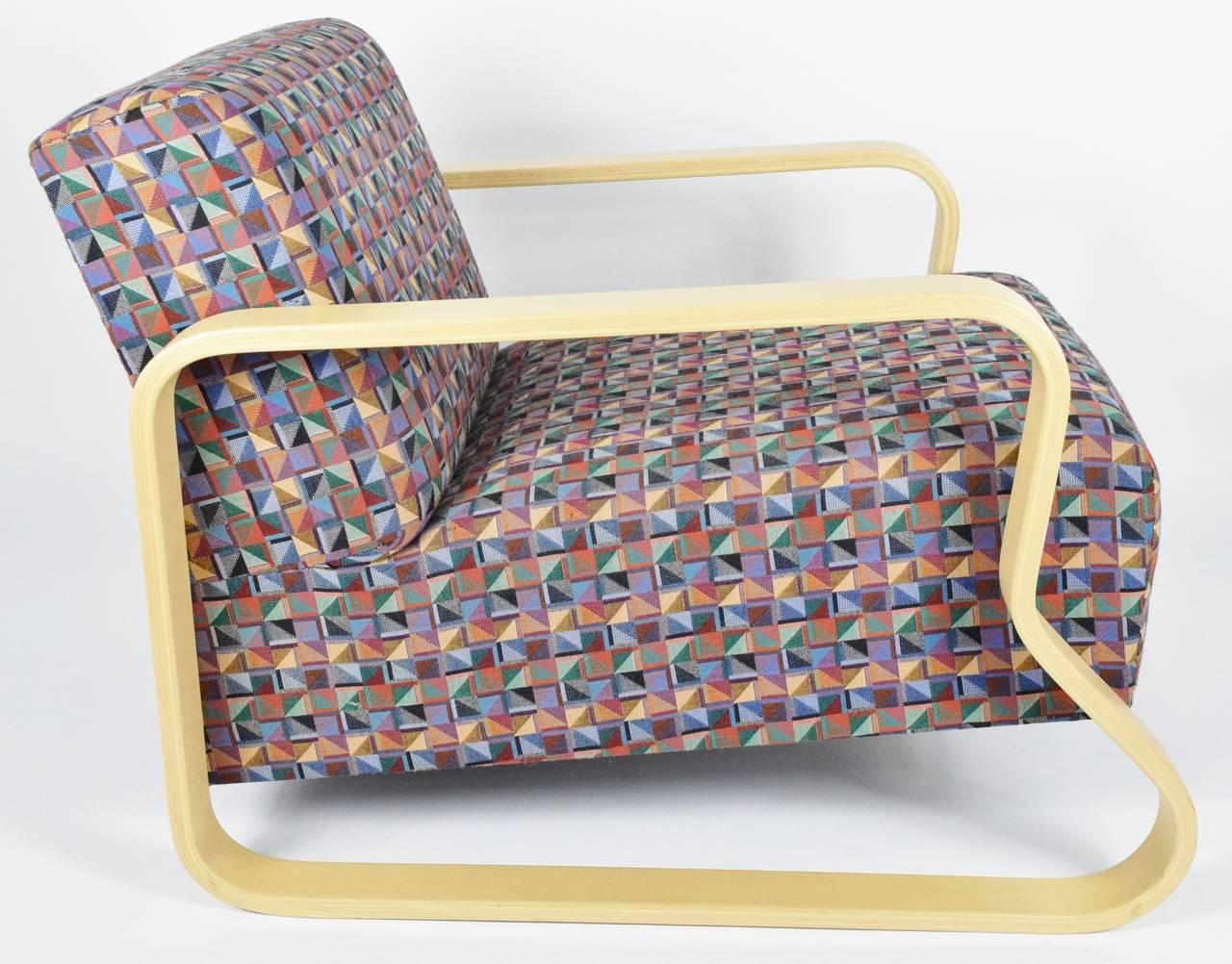 Alvar Aalto for Artek Lounge Armchair 44 In Good Condition For Sale In Dallas, TX
