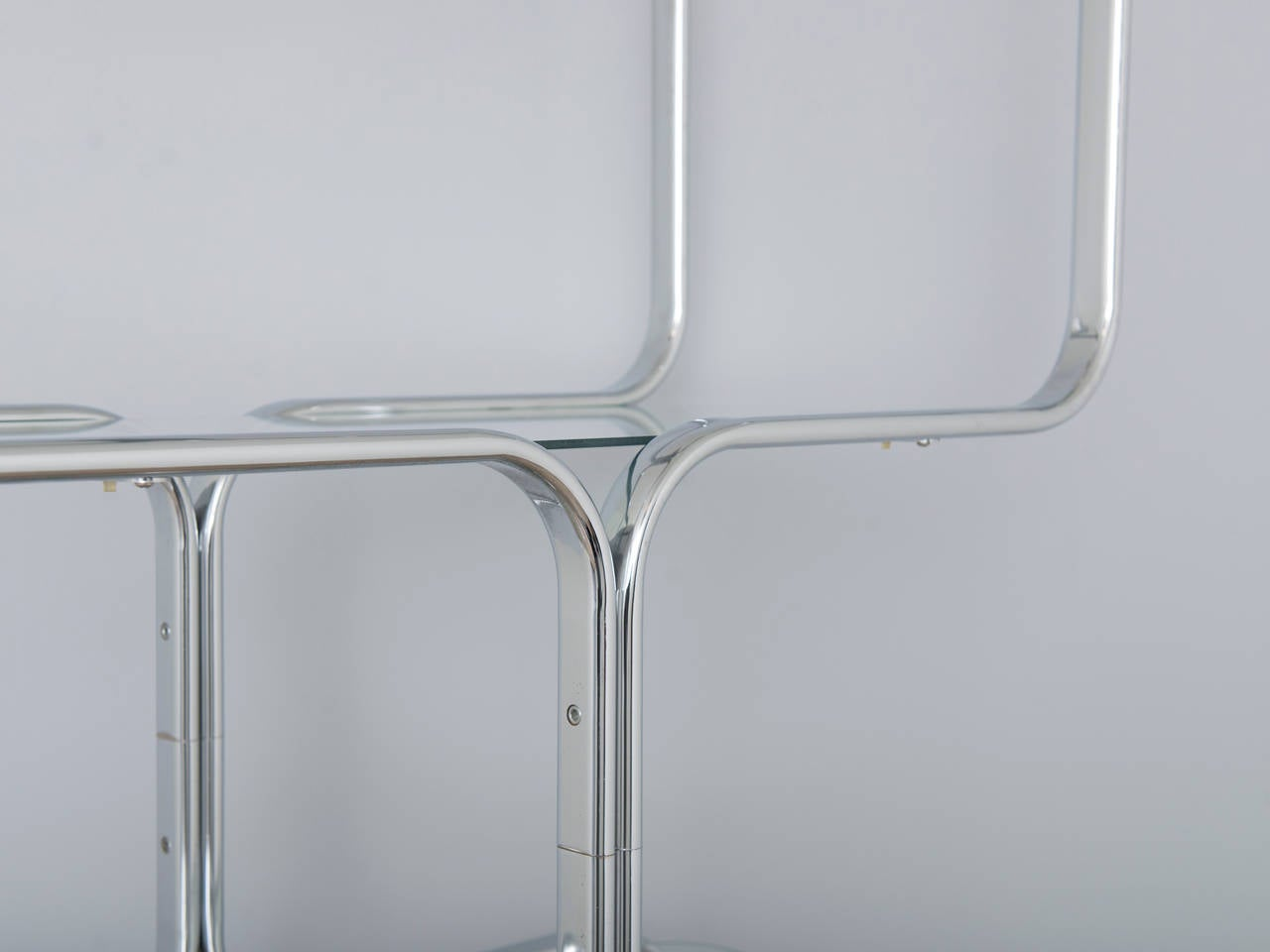Mid-Century Modern Italian 1970s Chrome and Glass Etagere by Tricom For Sale