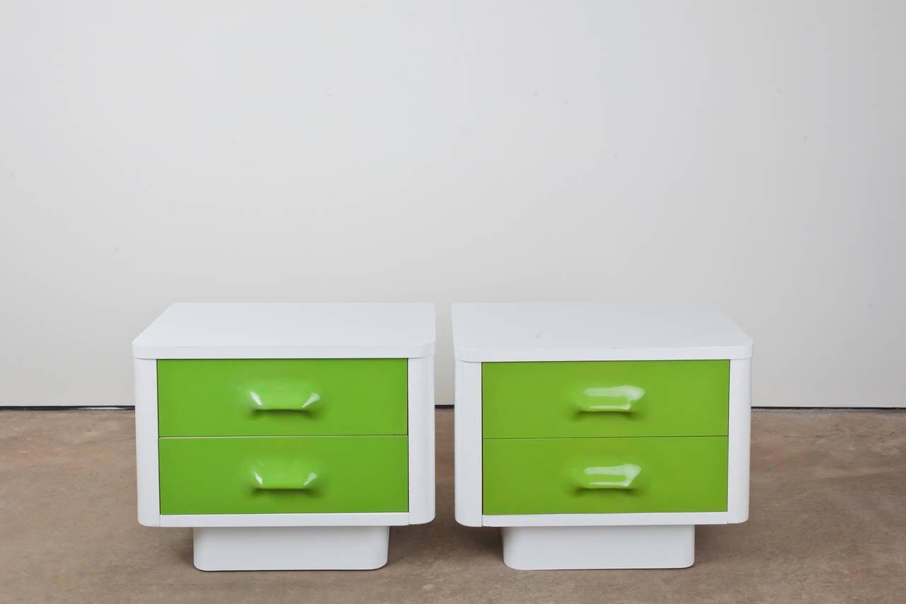 Broyhill Bedroom Set at 1stdibs
