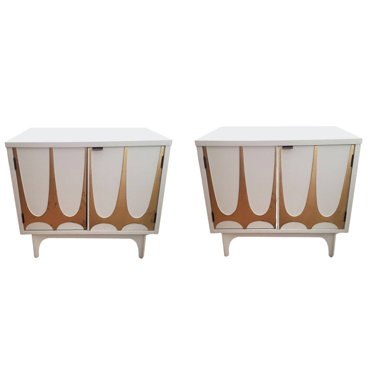 Mid-Century Broyhill Brasilia Night Stands, Pair For Sale