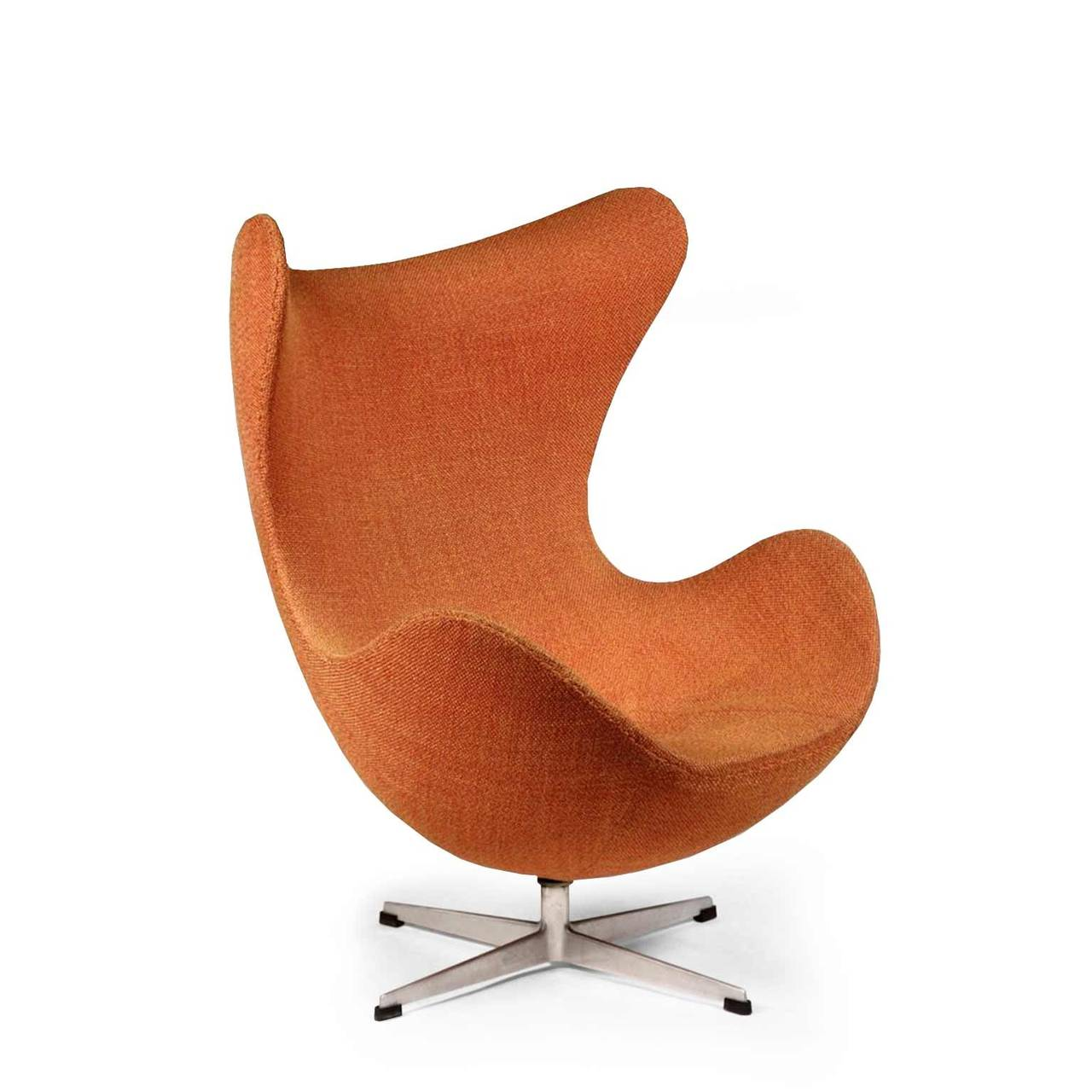 arne jacobsen egg chair for sale at 1stdibs. Black Bedroom Furniture Sets. Home Design Ideas