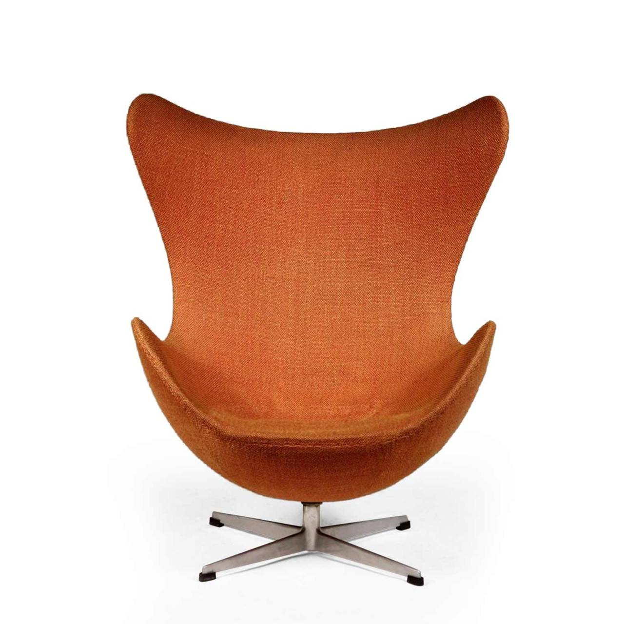 arne jacobsen egg chair for sale at 1stdibs. Black Bedroom Furniture Sets. Home Design Ideas