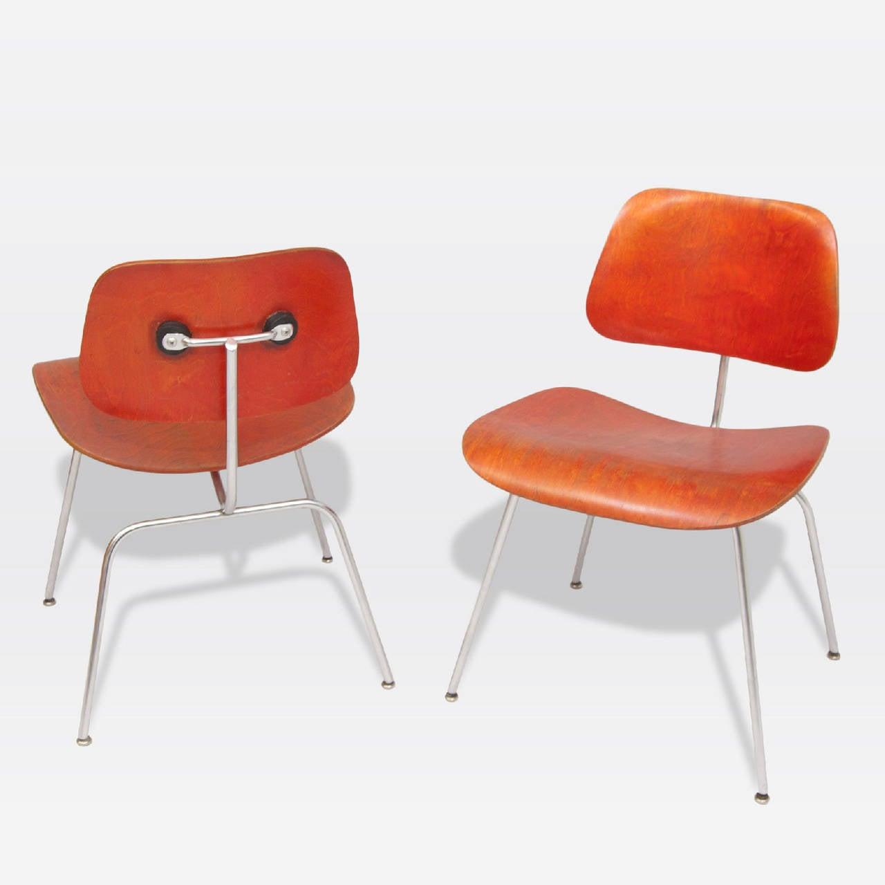 Mid-Century Modern Pair of DCM chairs by Ray & Charles Eames For Sale