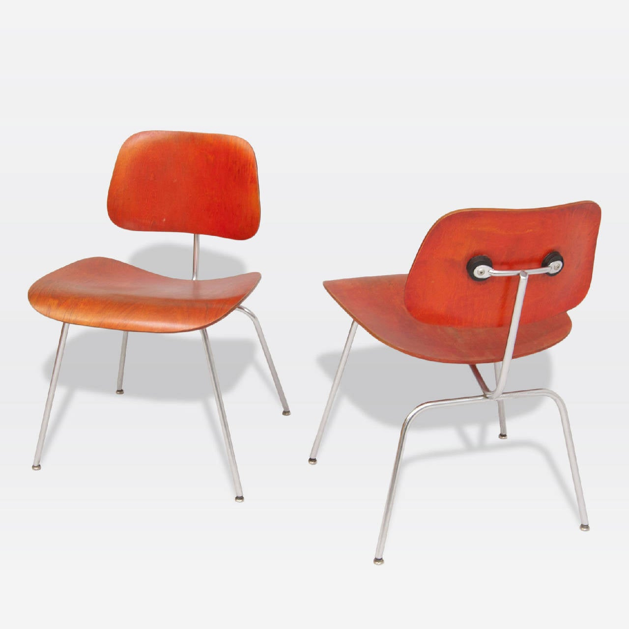 American Pair of DCM chairs by Ray & Charles Eames For Sale