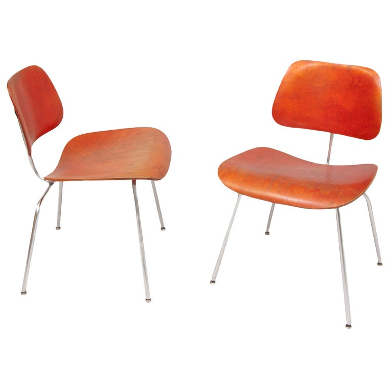 Pair of DCM chairs by Ray & Charles Eames For Sale