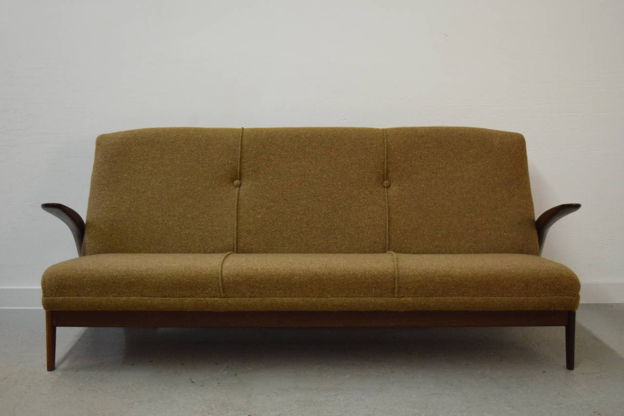 Mid-Century Modern Sculptural Gimson and Slater Three-Seater Sofa For Sale