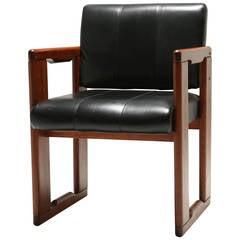 Tobia Scarpa Dialogo armchair with leather seat.
