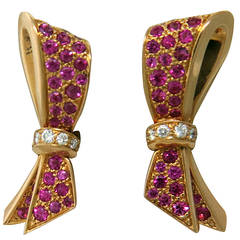 Van Cleef & Arpels Sapphire Diamond Gold Bow Earrings