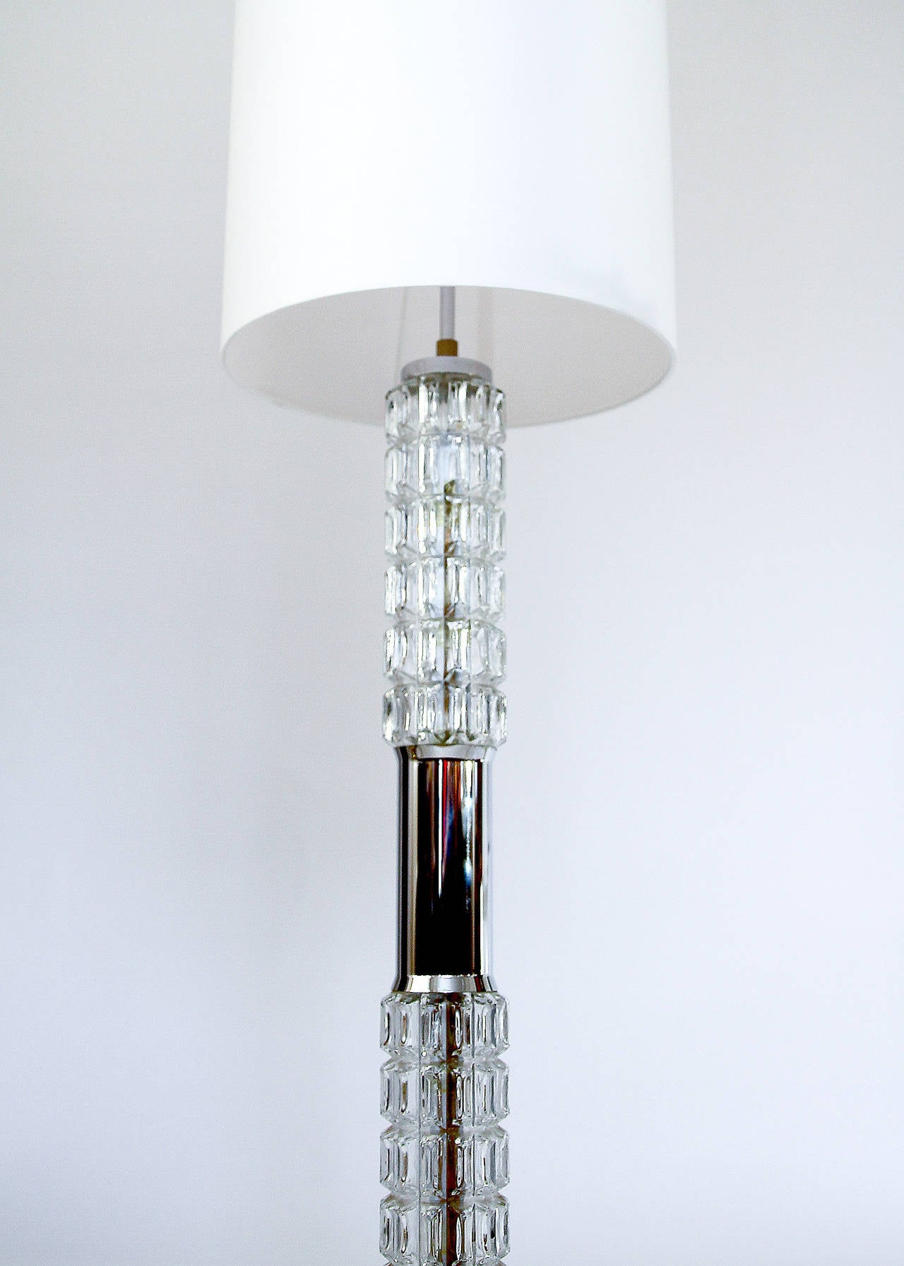 1970s chrome and molded glass floor or table lamp by richard essig at 1stdibs for 1970s floor lamps