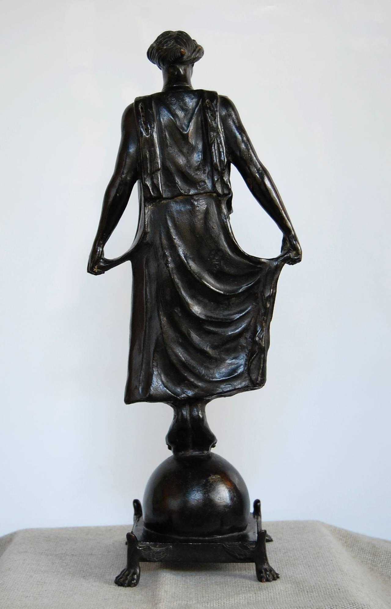 Italian 19th Century Bronze Statue of Female Figure, in the Style of G. Nisini, Roma For Sale