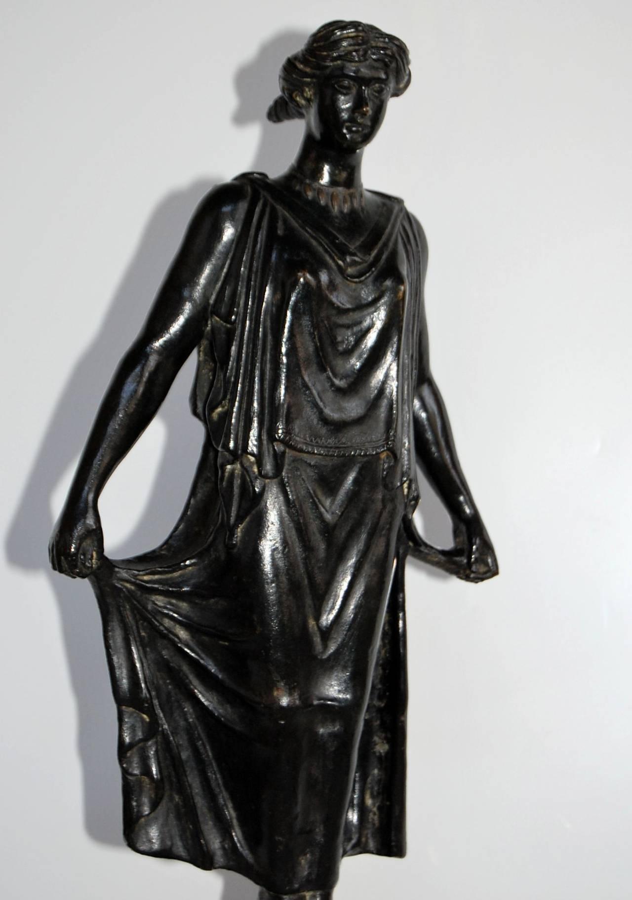 Metalwork 19th Century Bronze Statue of Female Figure, in the Style of G. Nisini, Roma For Sale