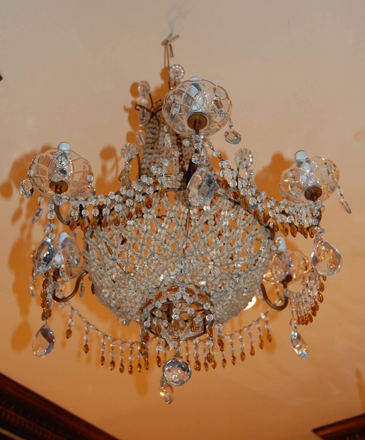 20th Century Italian Chandelier with Clear and Amber Crystal Drops and Beads For Sale