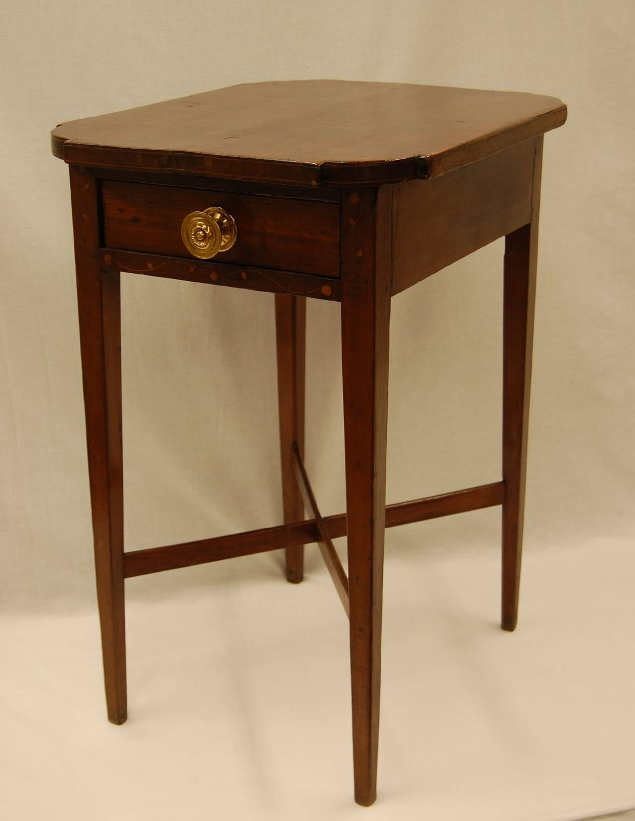 American federal side table with tapered legs and drawer