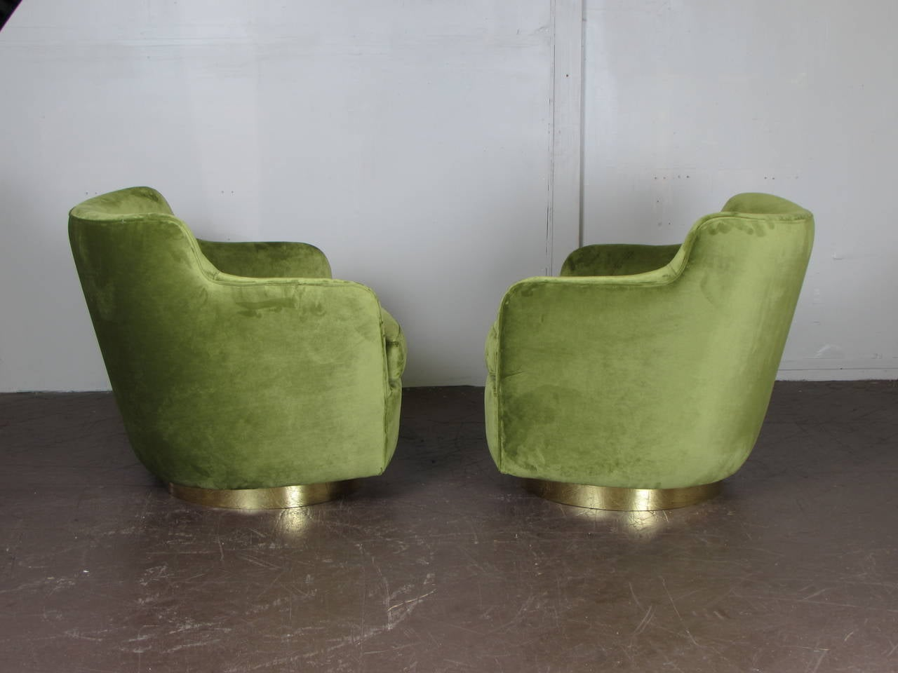 High Back Swivel Chairs In Velvet And Bronze By Milo