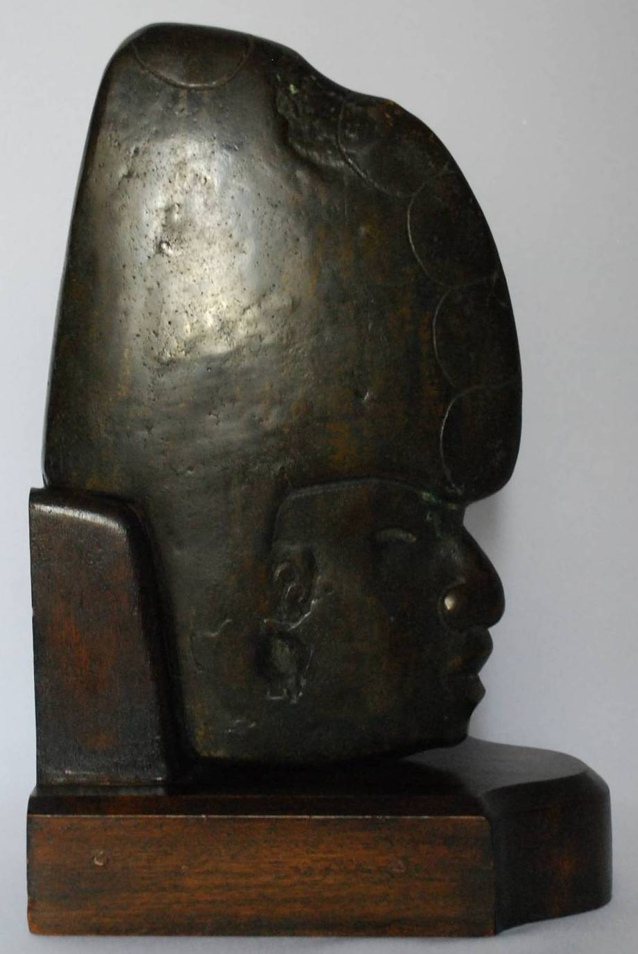 Cast Bronze Mesoamerican Sculpture In Excellent Condition For Sale In New York, NY