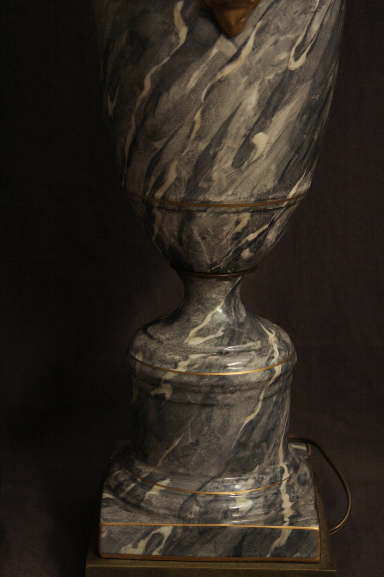 Pair of Grey Marbleized Urn Lamps In Excellent Condition For Sale In New York, NY